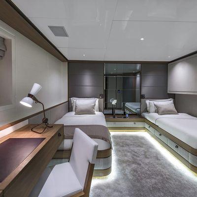 Liquid Sky Yacht Twin Cabin