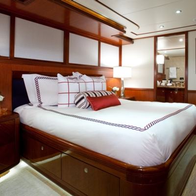 Just Enough Yacht Queen Guest Stateroom 1