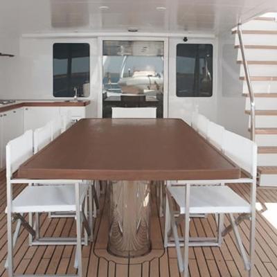 Berzinc Yacht Exterior Dining