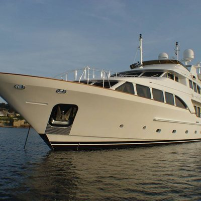 Aura Yacht Bow