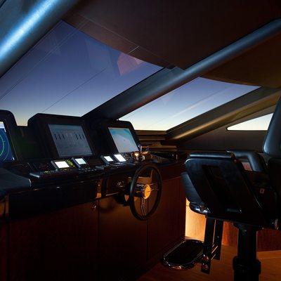 Quantum Yacht Pilothouse