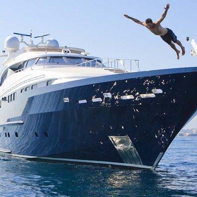 Daloli Yacht Front