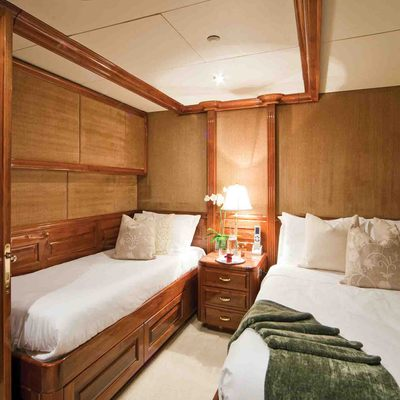 One More Toy Yacht Twin Stateroom - Green