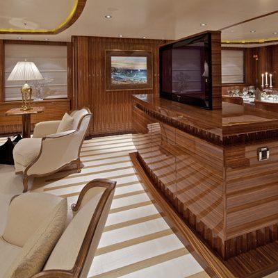 Mia Rama Yacht Salon TV