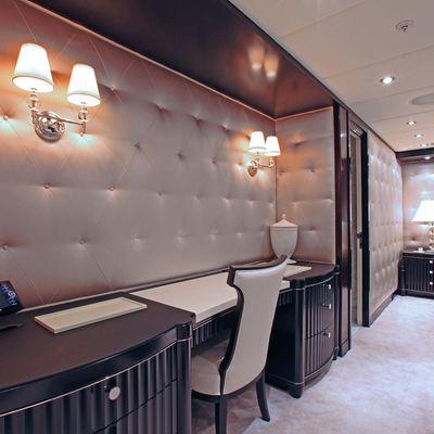 Carpe Diem Yacht Master Stateroom - Vanity