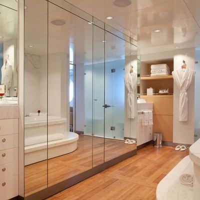 Idol Yacht Master Stateroom - Bath