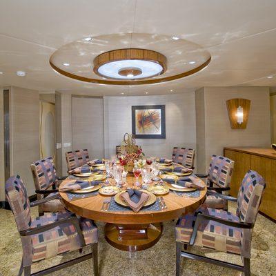 Triumphant Lady Yacht Dining salon