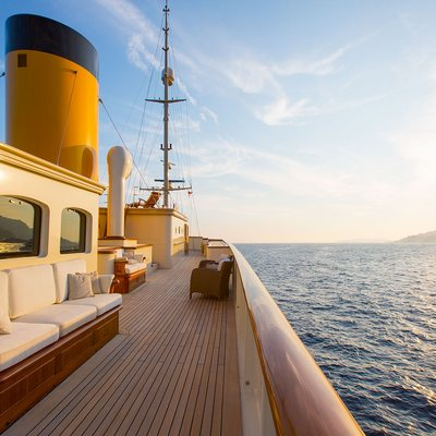 Nero Yacht