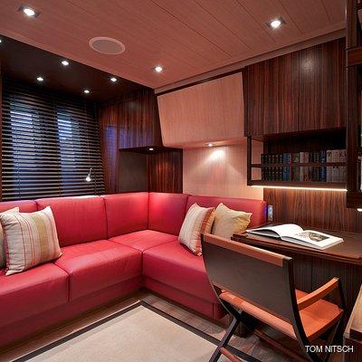 Sharlou Yacht Office