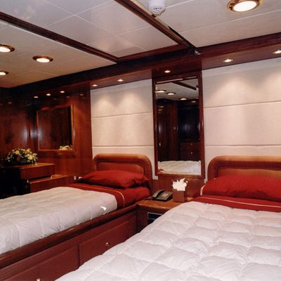 White Knight Yacht Twin Stateroom
