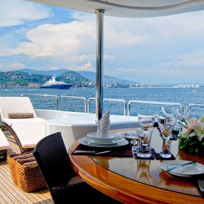 Accama Yacht Top Deck Dining