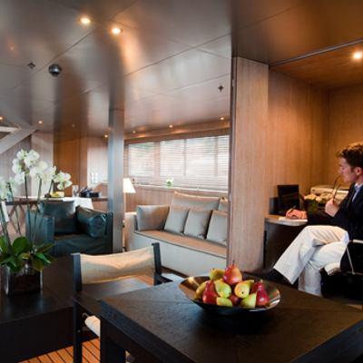 Mariu Yacht Office