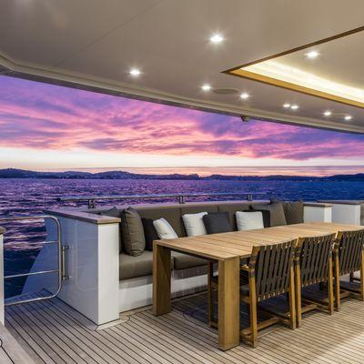 K Yacht