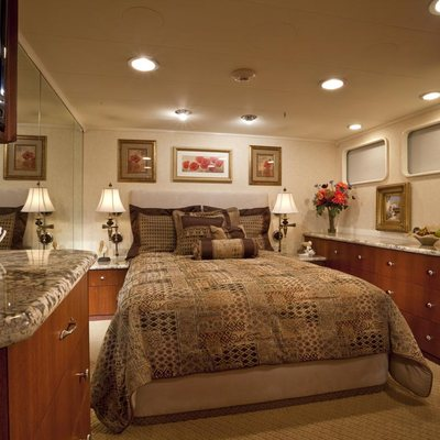 Golden Compass Yacht Guest Stateroom - Port
