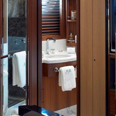 Kathleen Anne Yacht Bathroom