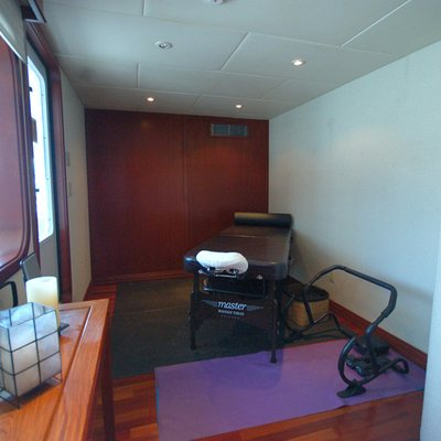 Stargazer Yacht Massage Room