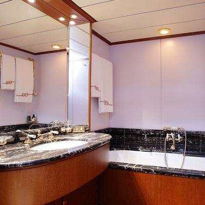 Principessa Vaivia Yacht Master Bath