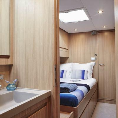 PH3 Yacht