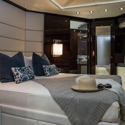 Fleur Yacht