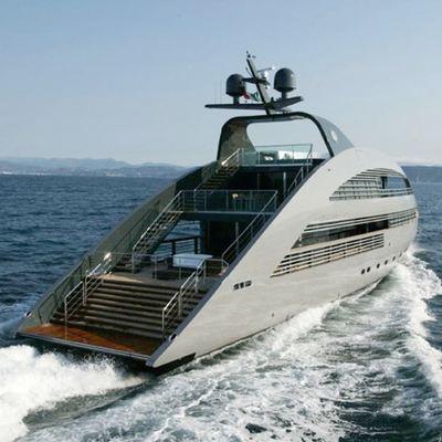 Ocean Emerald Yacht Running Shot - Rear View