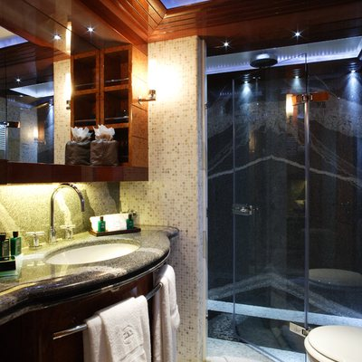 Talisman Maiton Yacht Guest Shower Room