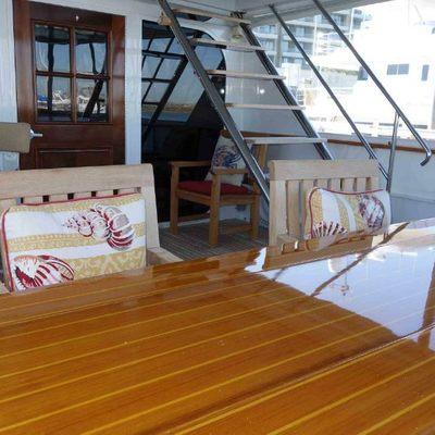 Midsummer Dream Yacht