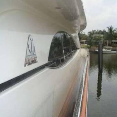 Pure Yacht