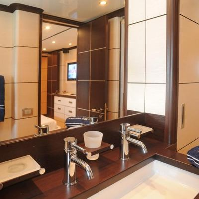 Michka V Yacht Guest Bathroom