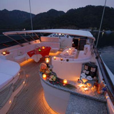 Crocus Yacht Fly Bridge