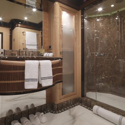 Meamina Yacht Ensuite