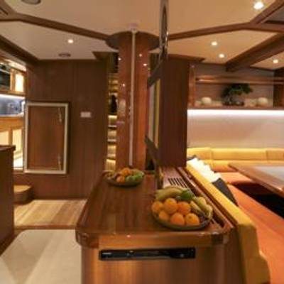 Lady Thuraya Yacht