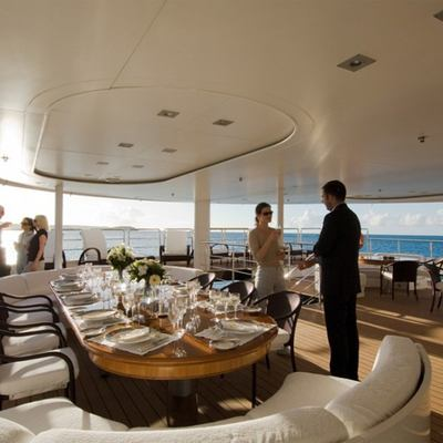 Elegant 007 Yacht Deck - Dining