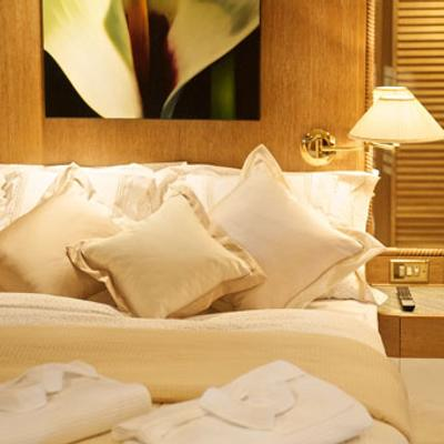 Sea Lady II Yacht Guest Stateroom - Detail