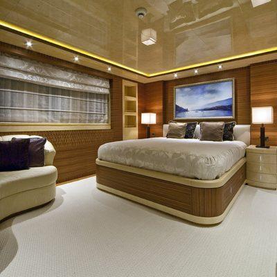 Vertigo Yacht Queen Stateroom - Seating