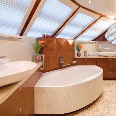 Northlander Yacht Master Bathroom