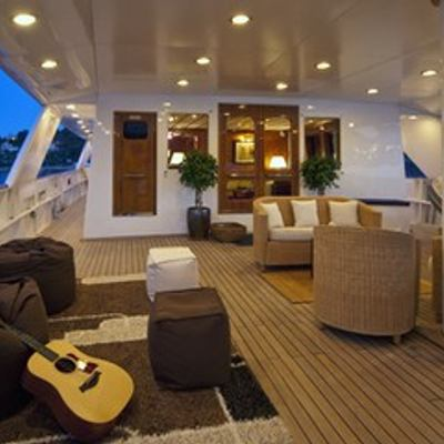 5 Fishes Yacht Exterior Seating