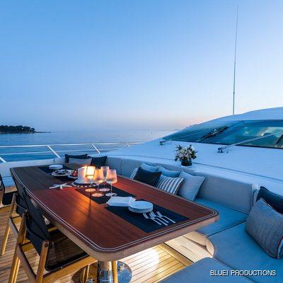 Beachouse Yacht Sun Deck, Evening