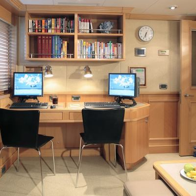 Laurel Yacht Private Study Area