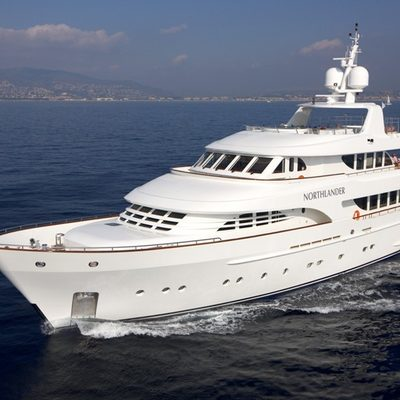Northlander Yacht Running Shot - Forward