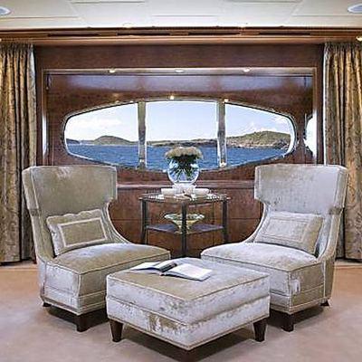 Lady Sheridan Yacht Master Stateroom - Lounge Seating