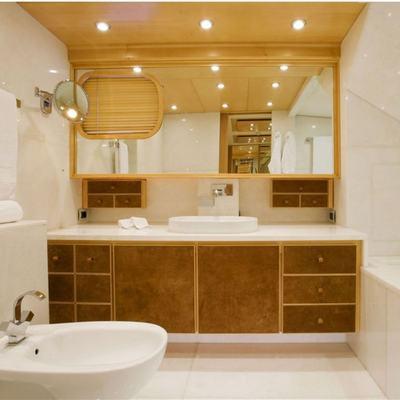 Deep Blue II Yacht Master Bathroom