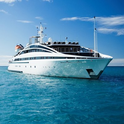 Elegant 007 Yacht Front View