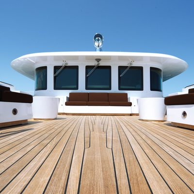 Zaliv III Yacht Deck
