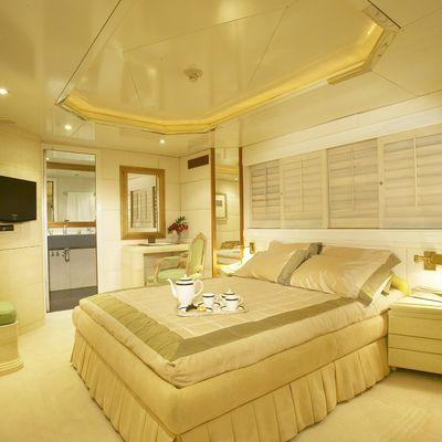 AMZ Yacht VIP Stateroom