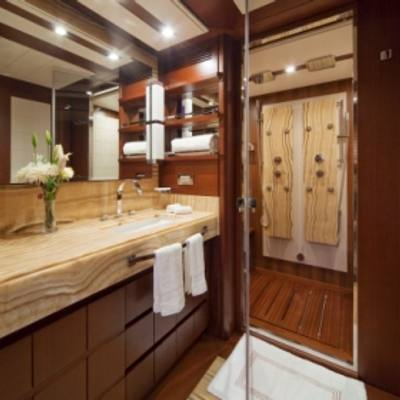 Andreika Yacht Bathroom