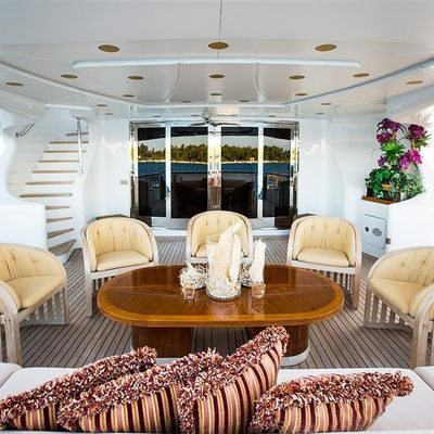 Holiday Yacht