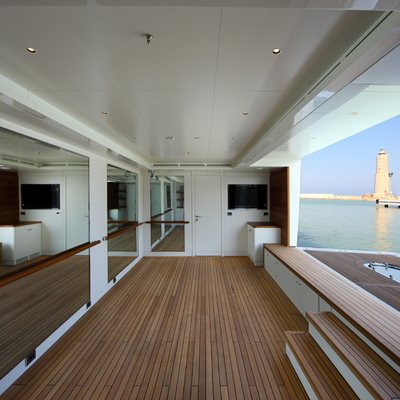 Seanna Yacht Swim Deck