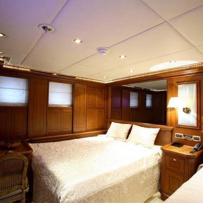 Loretta Yacht Twin Stateroom