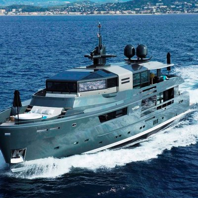 Tortoise Yacht