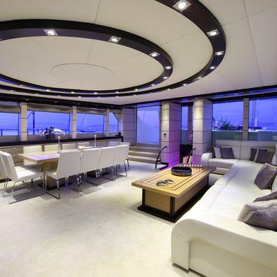 Perla del Mare Yacht Salon